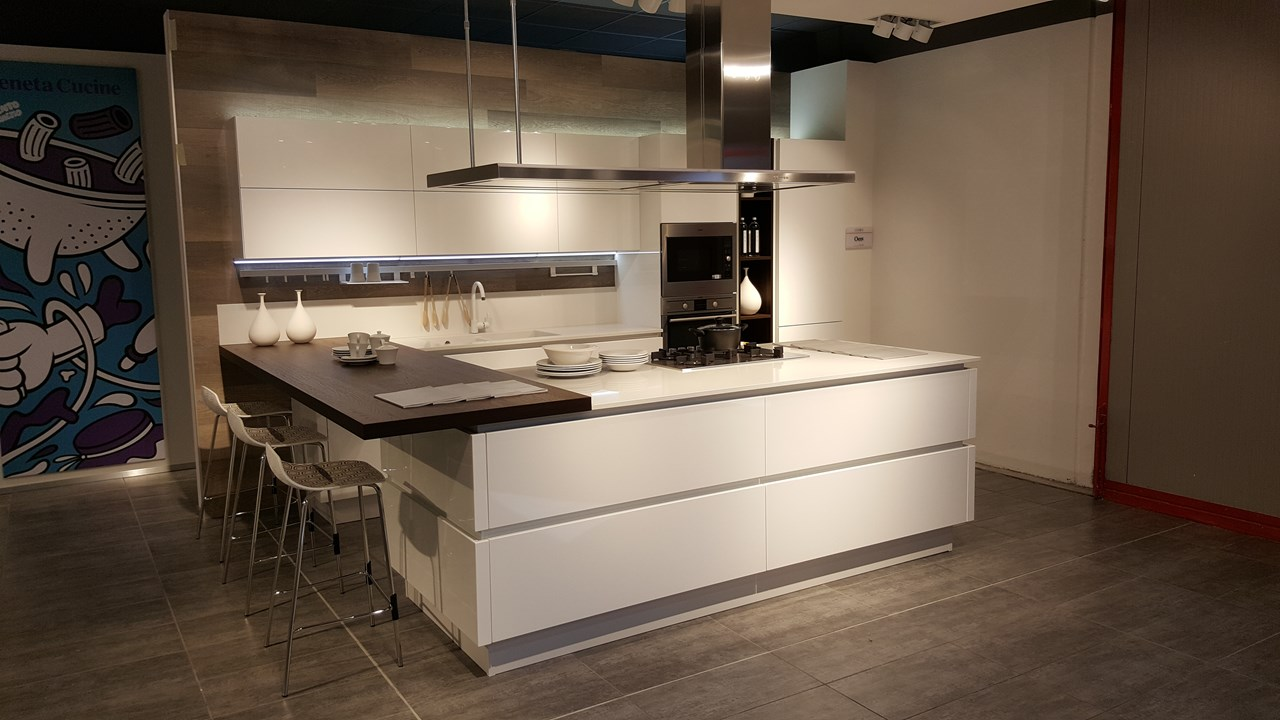 Best cucina oyster veneta cucine images ideas design for Veneta cucine oyster pro